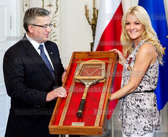 Prezydent odznaczyl polskich tenisistów